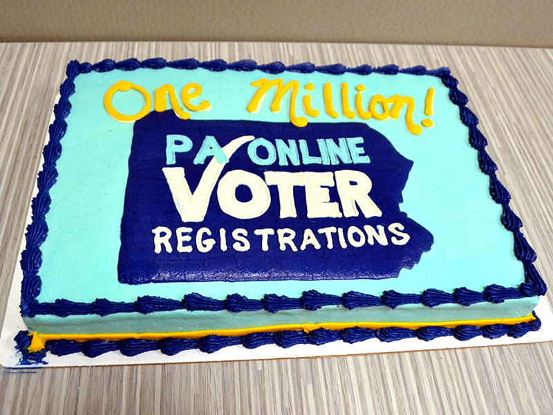 Cake celebrating the 1 millionth registration